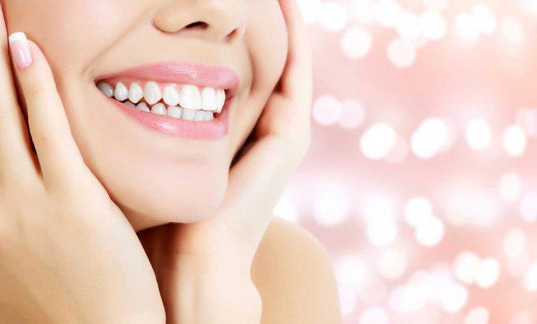 تبيض الاسنان في المنام