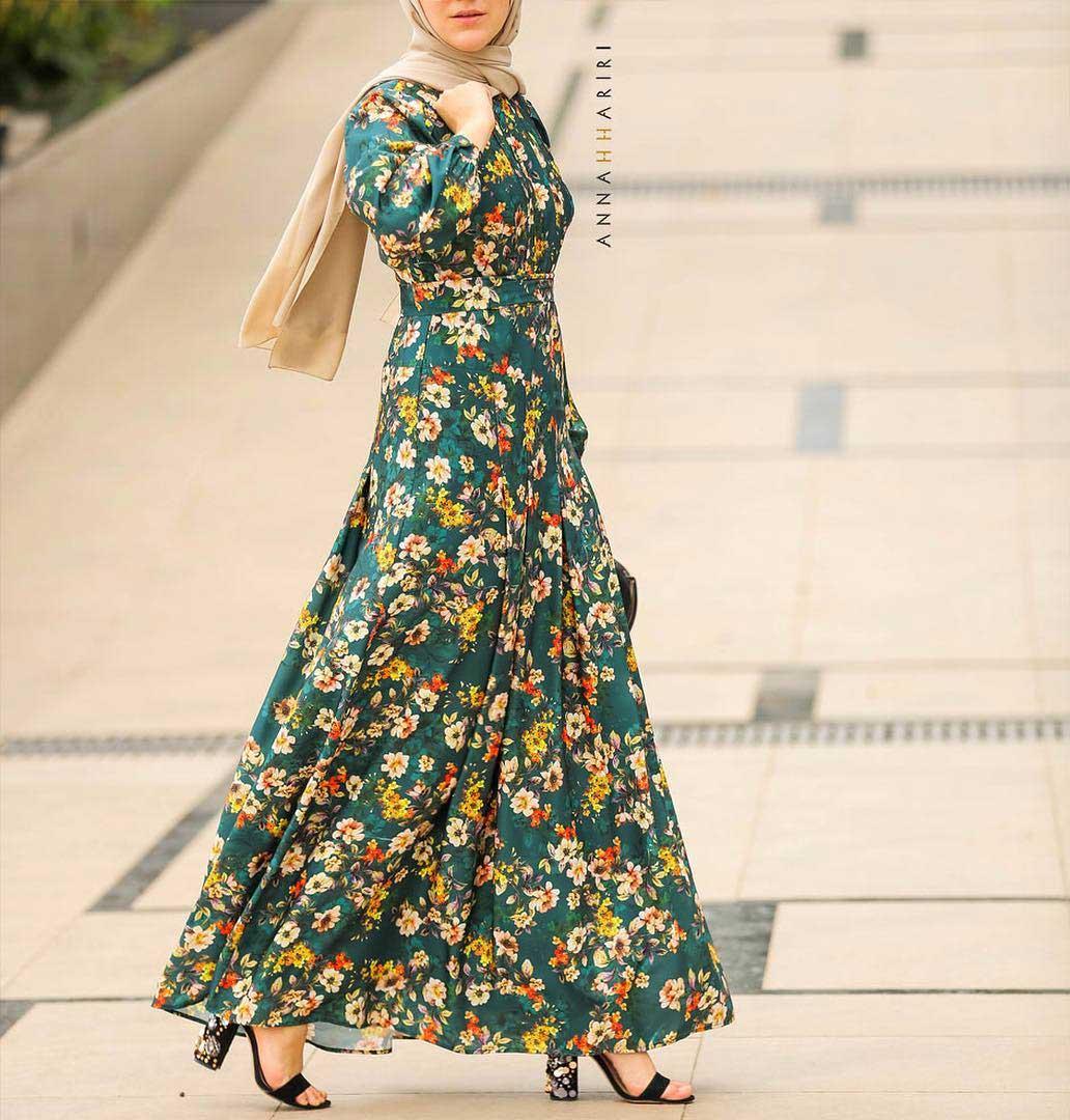 تفصيل فستان منقوش باللون الاخضر