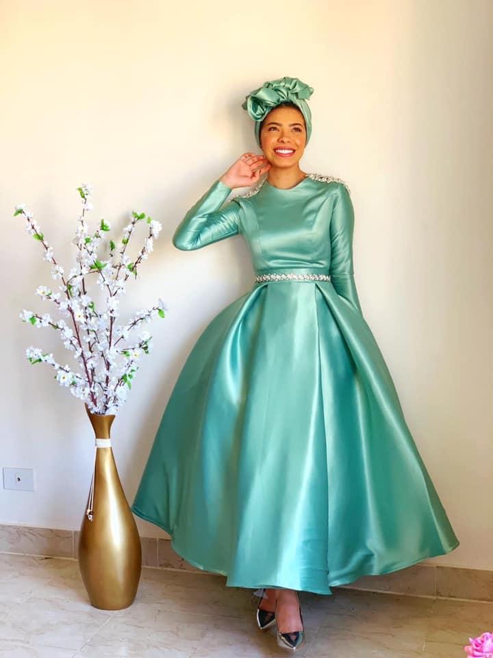 فستان أخضر فاتح سوراية للمحجبات منفوش بسيط
