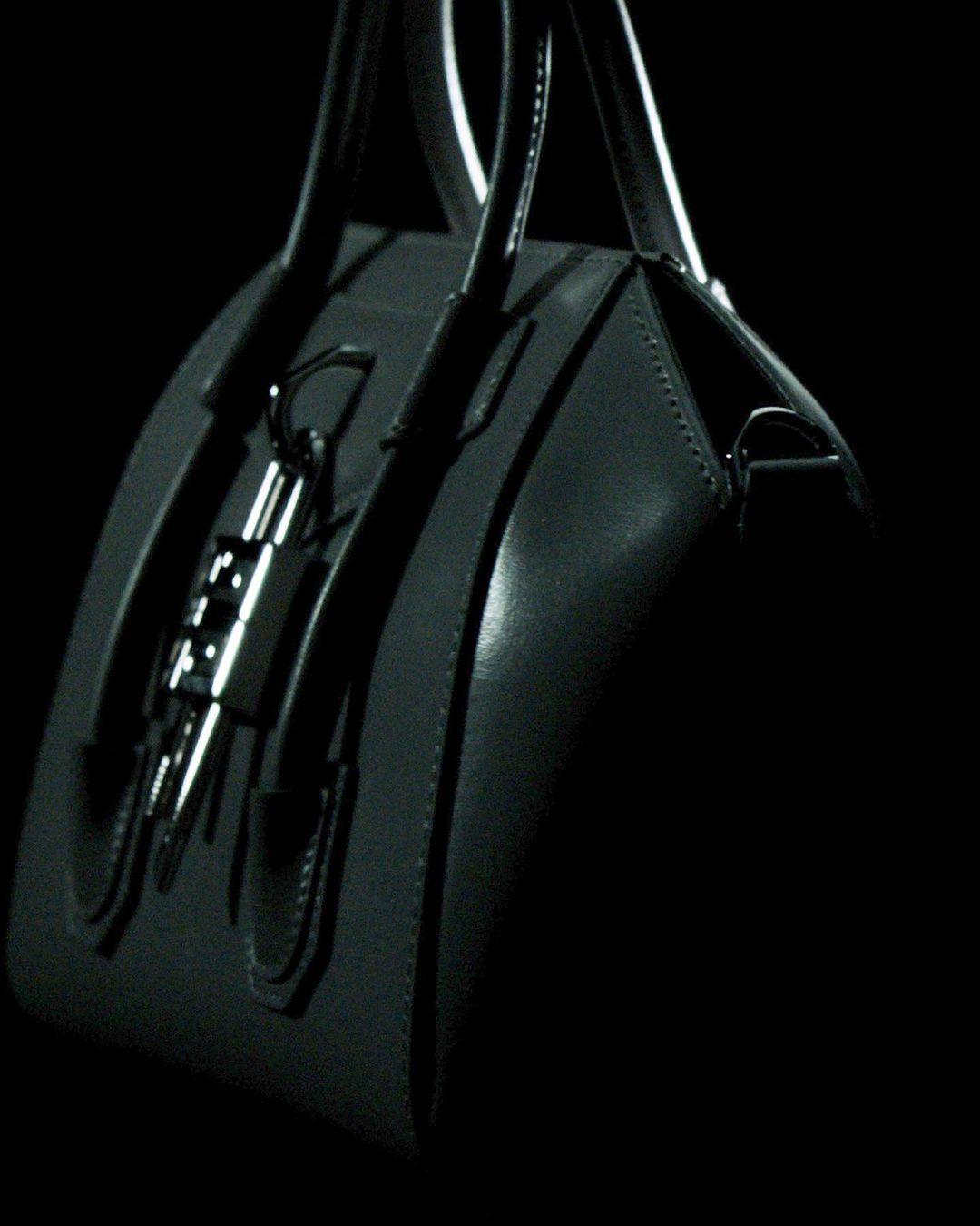 حقيبة أنتيجونا من جيفنشي Antigona Givenchy
